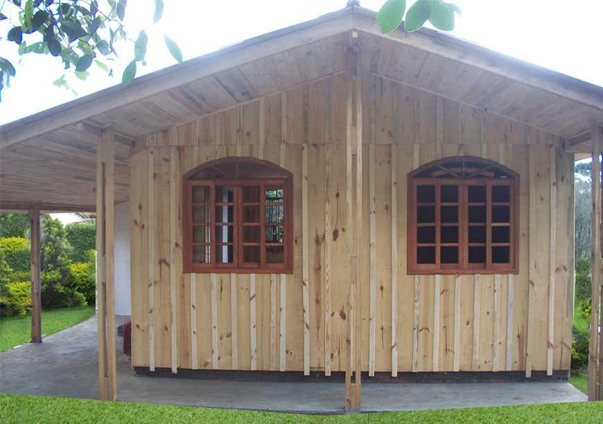casa de madeira modelo fazendinha